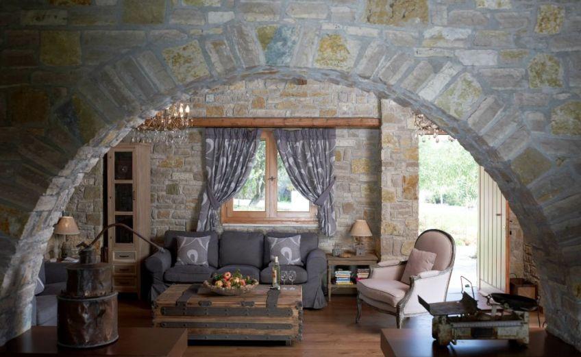 Μια ονειρική εξοχική κατοικία στη Βόνιτσα από πέτρα και ξύλο - iTravelling