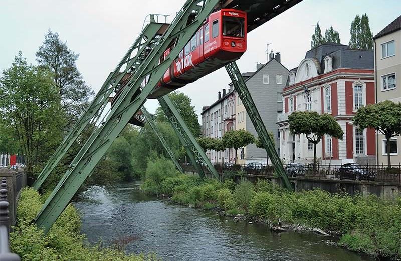 Βόλτα με θέα με το εναέριο τρένο του Wuppertaler - iTravelling