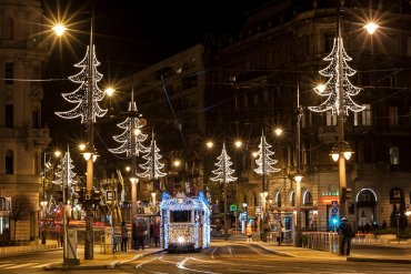 Βόλτα με το πιο χριστουγεννιάτικο τραμ της Ευρώπης - iTravelling