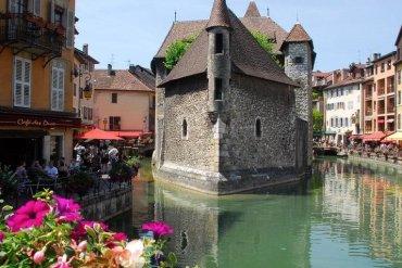 Annecy: Η Βενετία των Άλπεων σε περιμένει τις Απόκριες - iTravelling