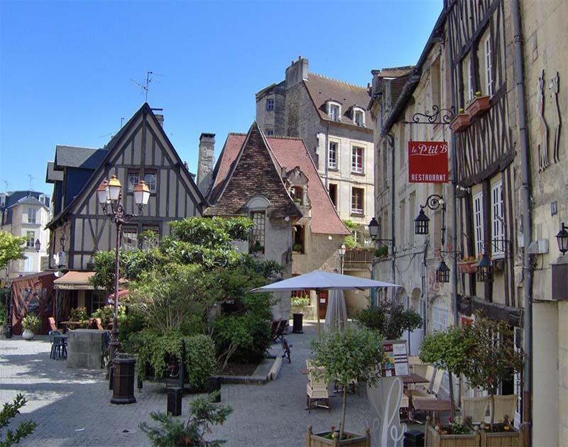 Caen: H πόλη των εργένηδων βρίσκεται στην Ευρώπη