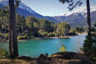 On the Road || Λίμνη Δόξα: Στο «Ποντικονήσι» της Κορινθίας - iTravelling