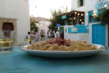 Τι θα φάμε στη Φολέγανδρο: Τα 4 must πιάτα του νησιού - iTravelling