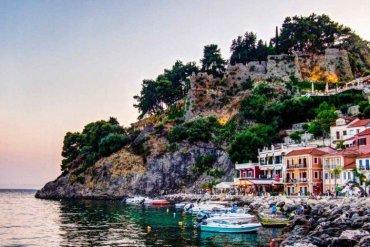 Πάργα: Ταξίδι στο γραφικό ψαροχώρι της Ηπείρου - iTravelliing