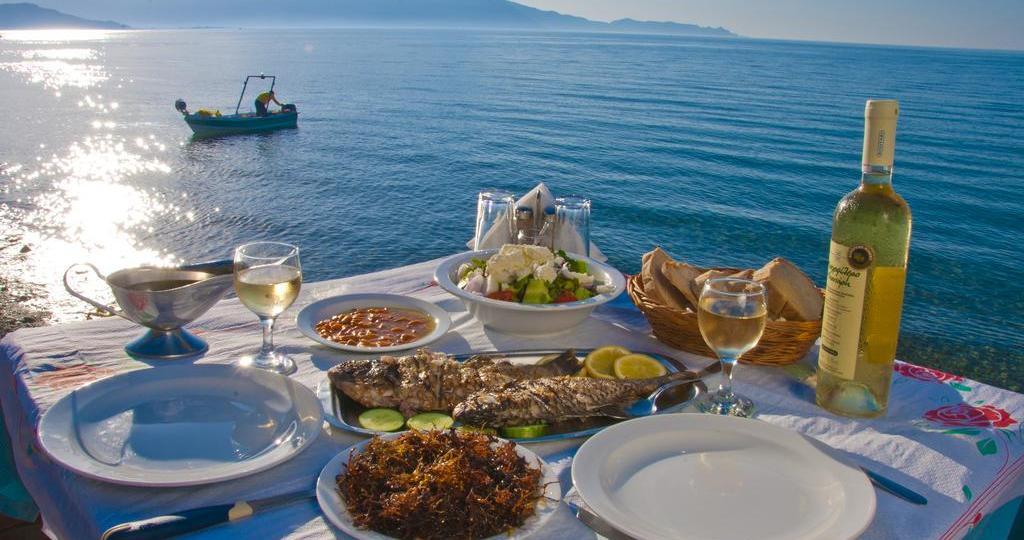 Τα 10 κορυφαία πιάτα της ελληνικής κουζίνας για την Telegraph