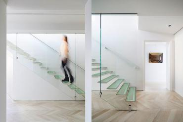 Origami Stairs: Οι σκάλες που αιωρούνται - iTravelling