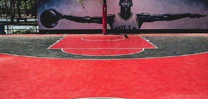17 εντυπωσιακά γήπεδα μπάσκετ που δεν κάνουν για τη FIBA - iTravelling