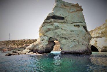 Μήλος: Ο γύρος του νησιού σε μία ημέρα - iTravelling