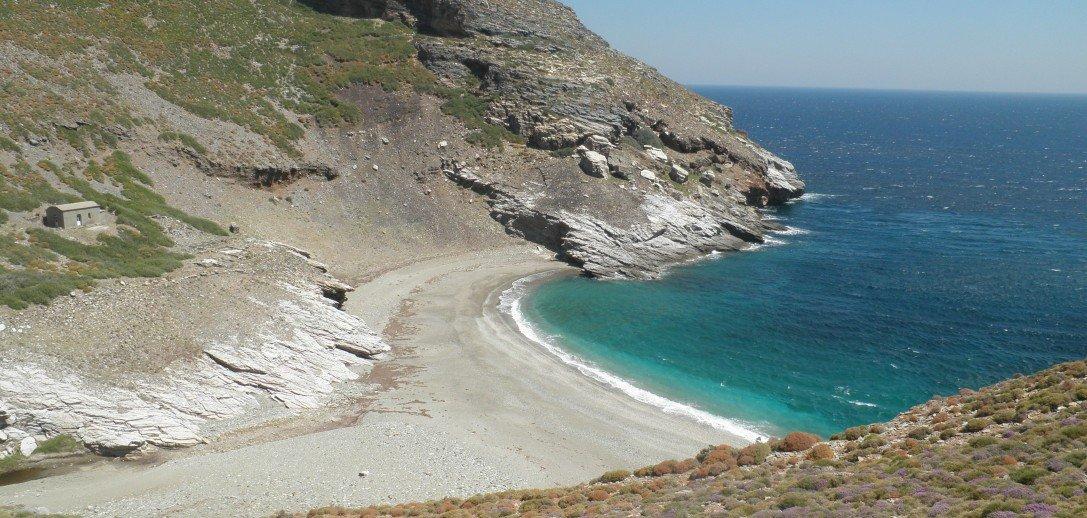 Η μυστική παραλία στην Εύβοια που συγκλονίζει τους τουρίστες