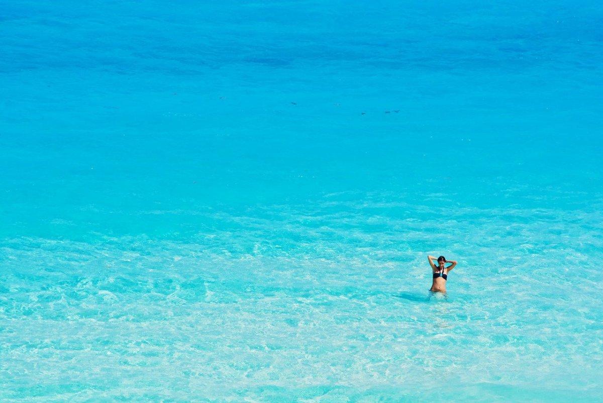 Αυτή είναι η παραλία με τα πιο γαλανά νερά στον κόσμο