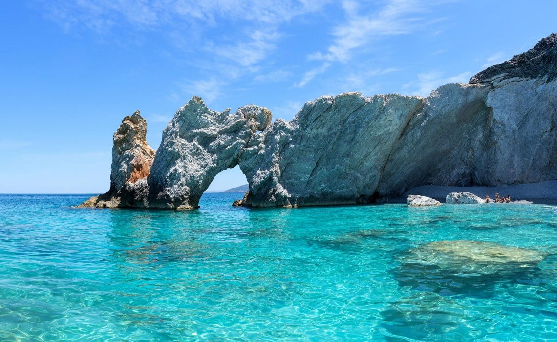 Η παραλία που αν πάρεις βότσαλα σου κόβουν πρόστιμο! - iTravelling