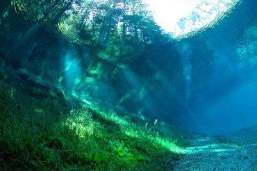 Πράσινη λίμνη: Η λίμνη που γεμίζει μόνο όταν λιώνουν οι παγετώνες - iTravelling