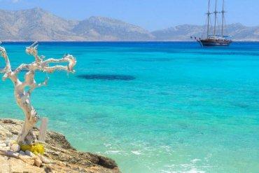 Τα 5 νησιά που έριξαν από το βάθρο Σαντορίνη και Μύκονο - iTravelling