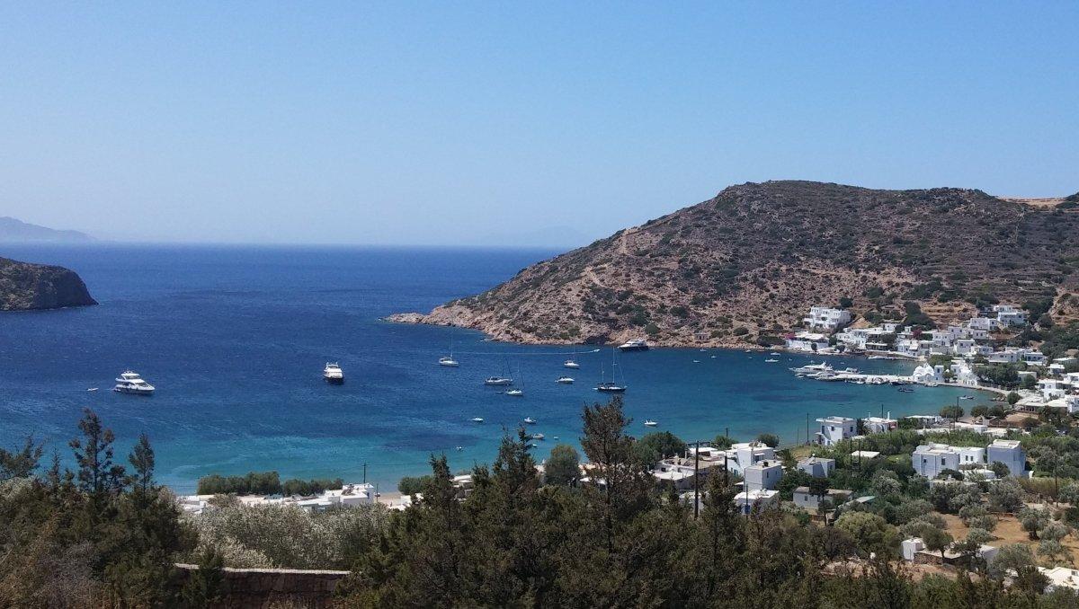 10 λόγοι για να πας διακοπές στη Σίφνο