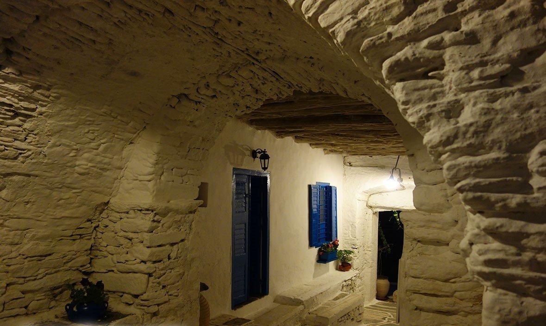 Σίφνος: Ταξίδι πίσω στο χρόνο στο Κάστρο της Σίφνου