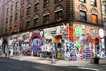ΤΑΚΙ 183: Η ιστορία του graffiti γράφτηκε με χρώματα ελληνικά! - itravelling.gr