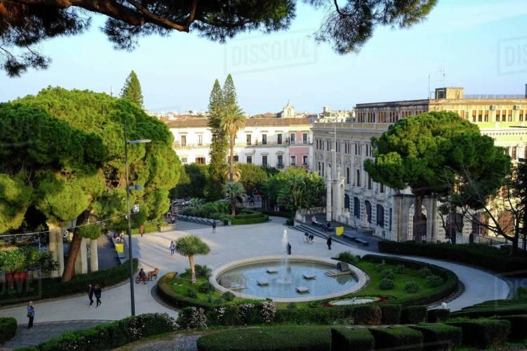 Κατάνια: Μια μπαρόκ πόλη στους πρόποδες της Αίτνας - itravelling.gr