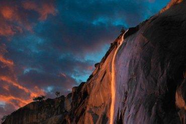 Ο καταρράκτης της φωτιάς στο Εθνικό Πάρκο Yosemite - itravelling.gr
