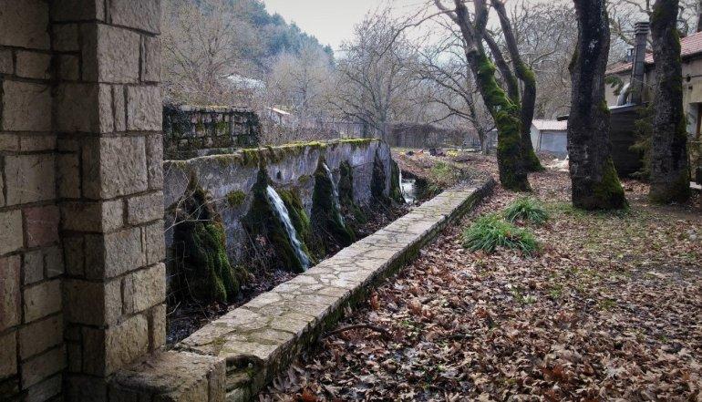 Κεφαλόβρυσο: Μια όαση δροσιάς στο Καρπενήσι - itravelling.gr