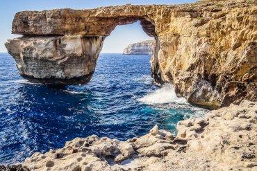 Το Γαλάζιο Παράθυρο της Μάλτας γίνεται ξανά πραγματικότητα! - itravelling.gr