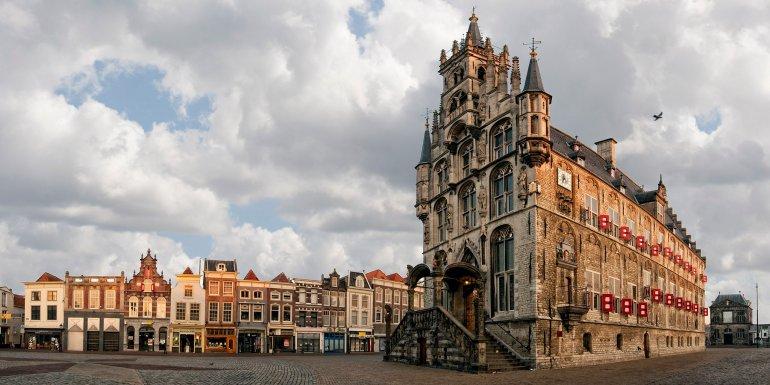 Gouda: Ταξίδι στην Ολλανδία και το ναό του κίτρινου τυριού - itravelling.gr