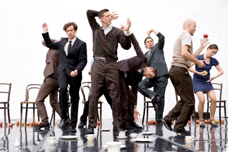 Smashed: Οι Gandini Juggling για πρώτη φορά στην Ελλάδα στο ΚΠΙΣΝ - itravelling.gr