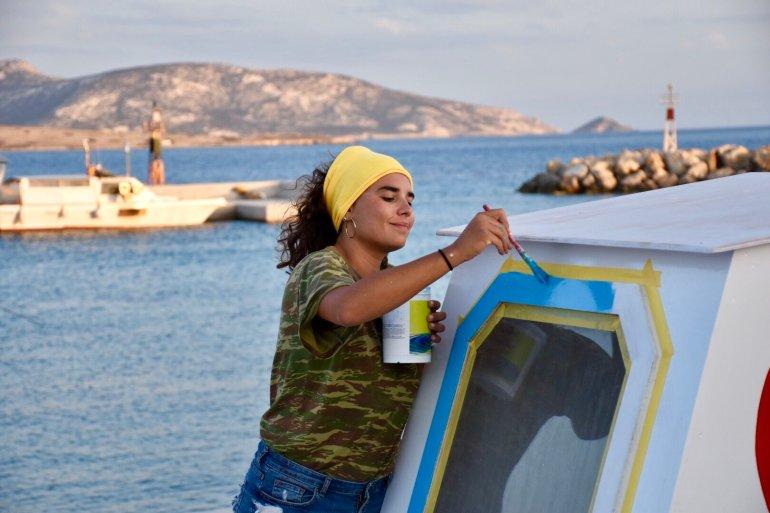 Χριστιάννα Οικονόμου: Το κορίτσι της Σχοινούσας και το ανανεωμένο καΐκι - itravelling.gr