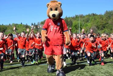 Football Camps στην Costa Navarino με την Bayern Μονάχου - itravelling.gr