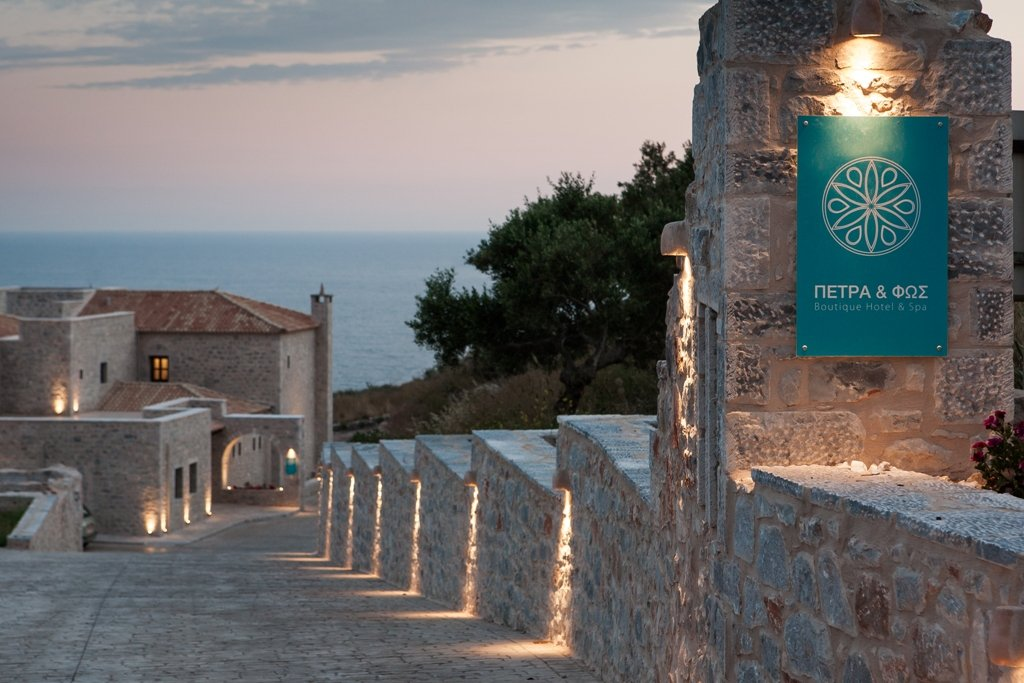 Ζήσε την αναζωογονητική εμπειρία ενός αυθεντικού Yoga & Ayurveda Retreat στη Μάνη - itravelling.gr