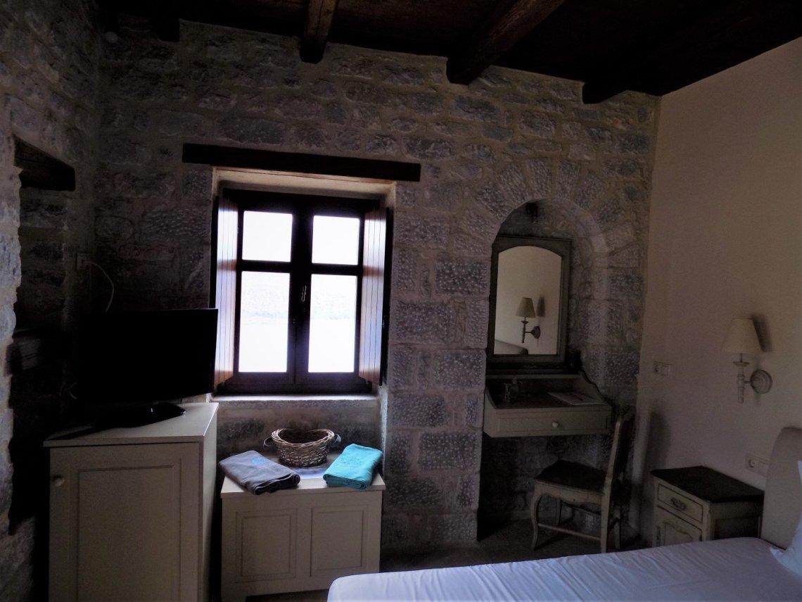 Πέτρα & Φως Boutique Hotel & Spa: Ο παράδεισος μετακόμισε στη Μάνη - itravelling.gr