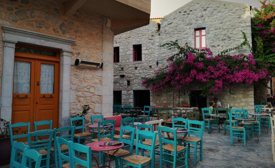Αρεόπολη: Για ρομαντική απόδραση στη Μάνη - itravelling.gr