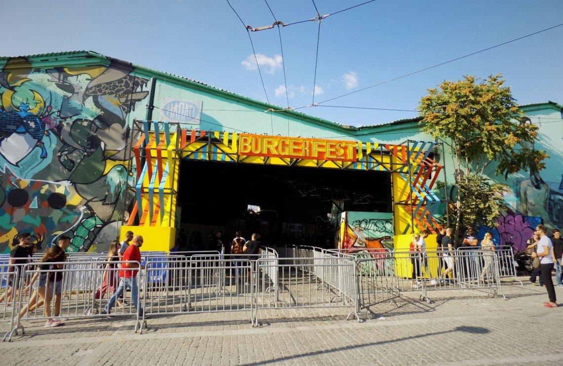 Αντέχεις να γίνεις ο βασιλιάς του θρόνου στο Burger Fest; - itravelling.gr