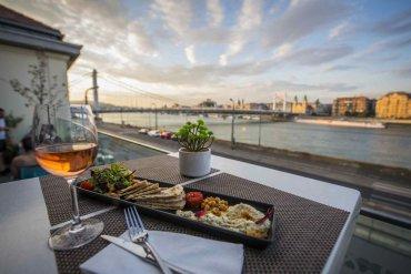 Τι θα φάμε στη Βουδαπέστη: 6 πιάτα που πρέπει να δοκιμάσεις! - itravelling.gr