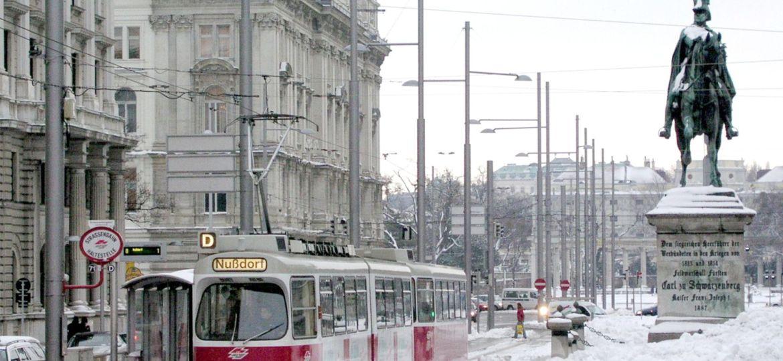 Fashion & Travel    Τι ρούχα να πάρω στη Βιέννη το χειμώνα