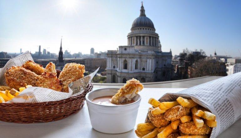 Τι θα φάμε στο Λονδίνο: 7 πιάτα για να μην μετανιώσεις για τη βρετανική κουζίνα - itravelling.gr