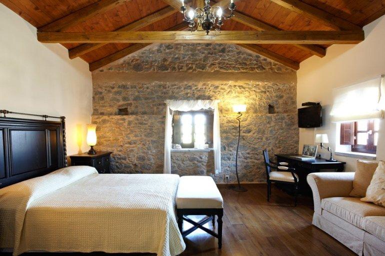 iT X-mas Gift Calendar #09: Κέρδισε ένα τριήμερο στο ξενώνα Πετρίτη στη Μάνη - itravelling.gr