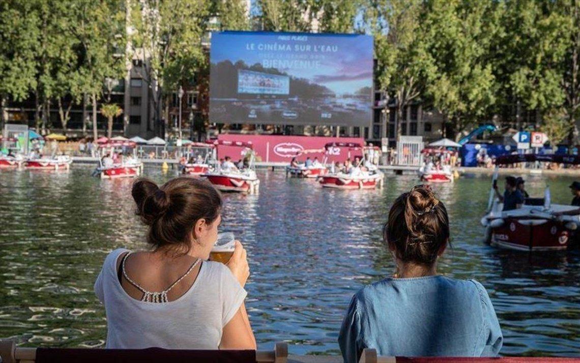 Πάμε για ταινία στο πρώτο πλωτό κινηματογράφο - itravelling.gr