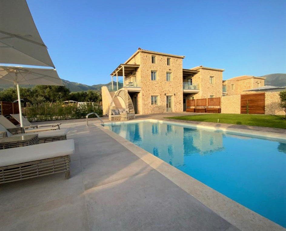 Katergo Luxury Villas: Διακοπές στην Στούπα παρέα με τα Aria Hotels - itravelling.gr