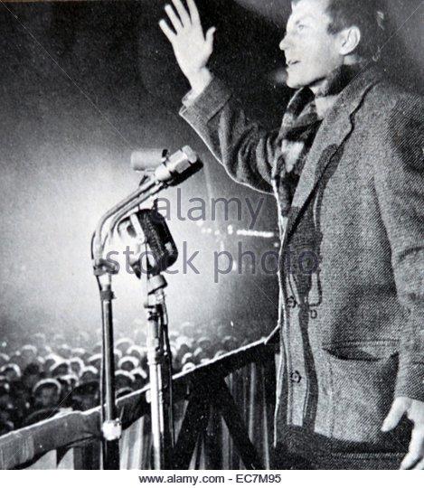 yevgeny-aleksandrovich-yevtushenko-born-18-july-1932-soviet-and-russian-ec7m95.jpg