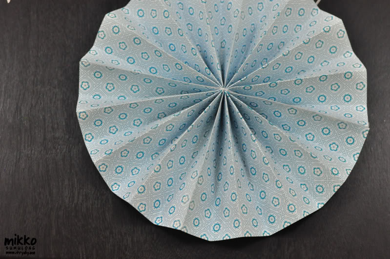 I Try DIY   DIY Pinwheel Rosette Wall Art