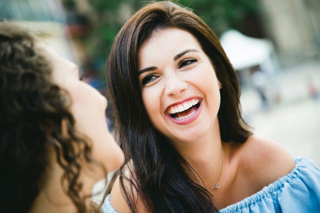Eine selbstbewusste Ausstrahlung wirkt ansteckend auf andere Menschen - Selbstständige Schönheits-Consultants