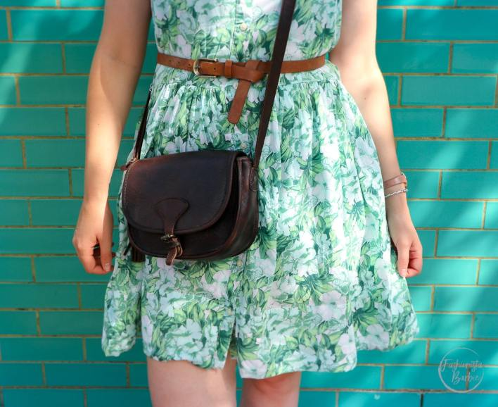 notting hill, london, statement wall, gap, floral dress, summer style, fashionista barbie, style post, style blogger, UK top fashion blogger, fashion blogger, fat face
