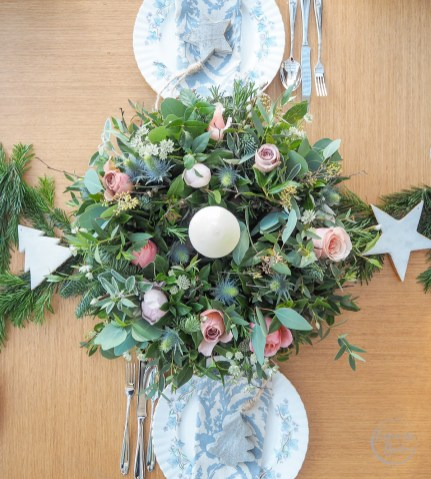the real flower company, christmas wreath, christmas flowers, christmas florals, christmas dining table, christmas ideas, flowers, fresh flowers, door wreath, table wreath, floral boutique, winter flowers