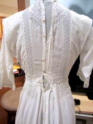 1910s-white-back