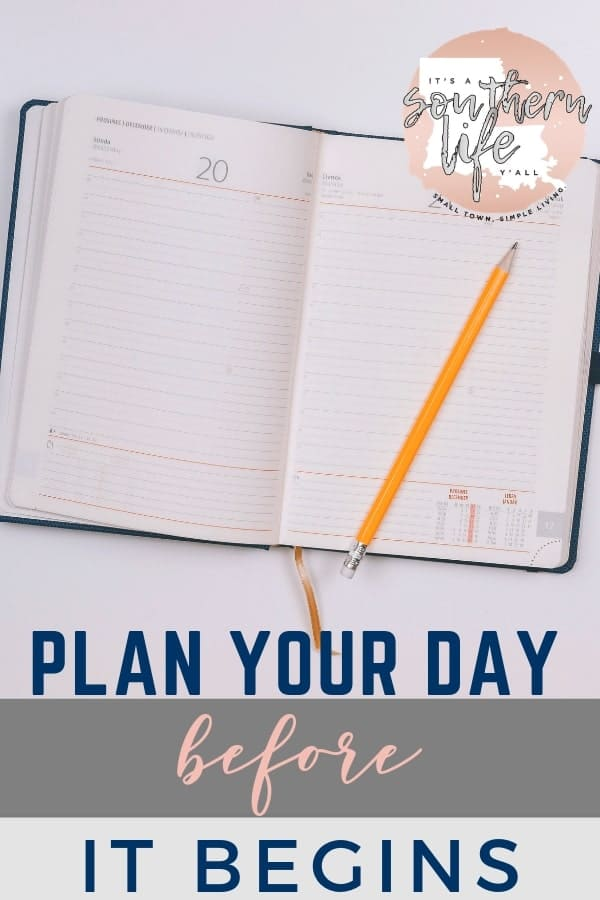 Planning your day before it begins is the first step for a productive day. This routine will help you achieve greater time management, productivity, and organization.