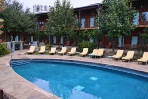 hotel-swimming-pool
