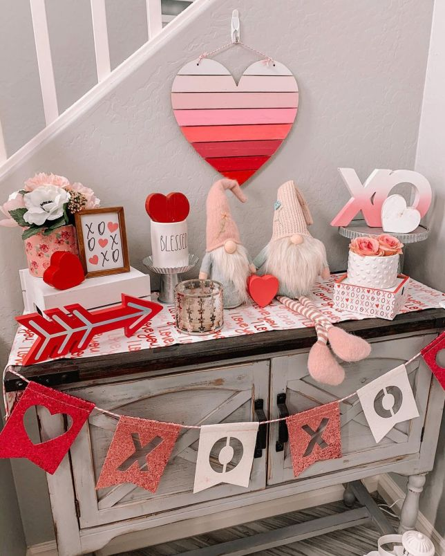 Valentines Day decorations for tables