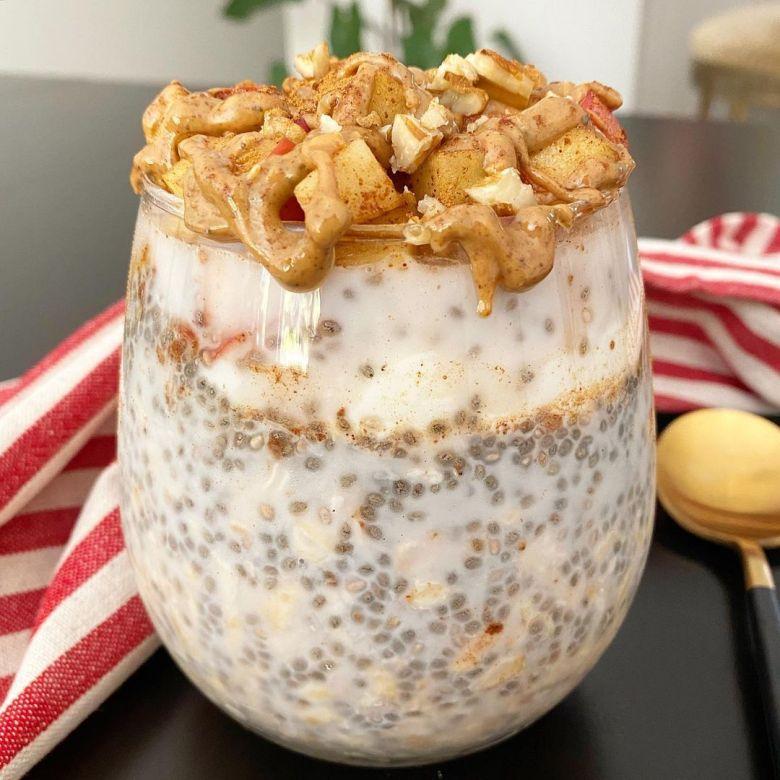 Overnight oats with almond milk