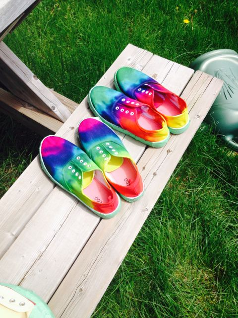 tie-dye canvas shoes