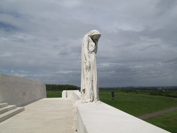 Vimy-ridge-statue